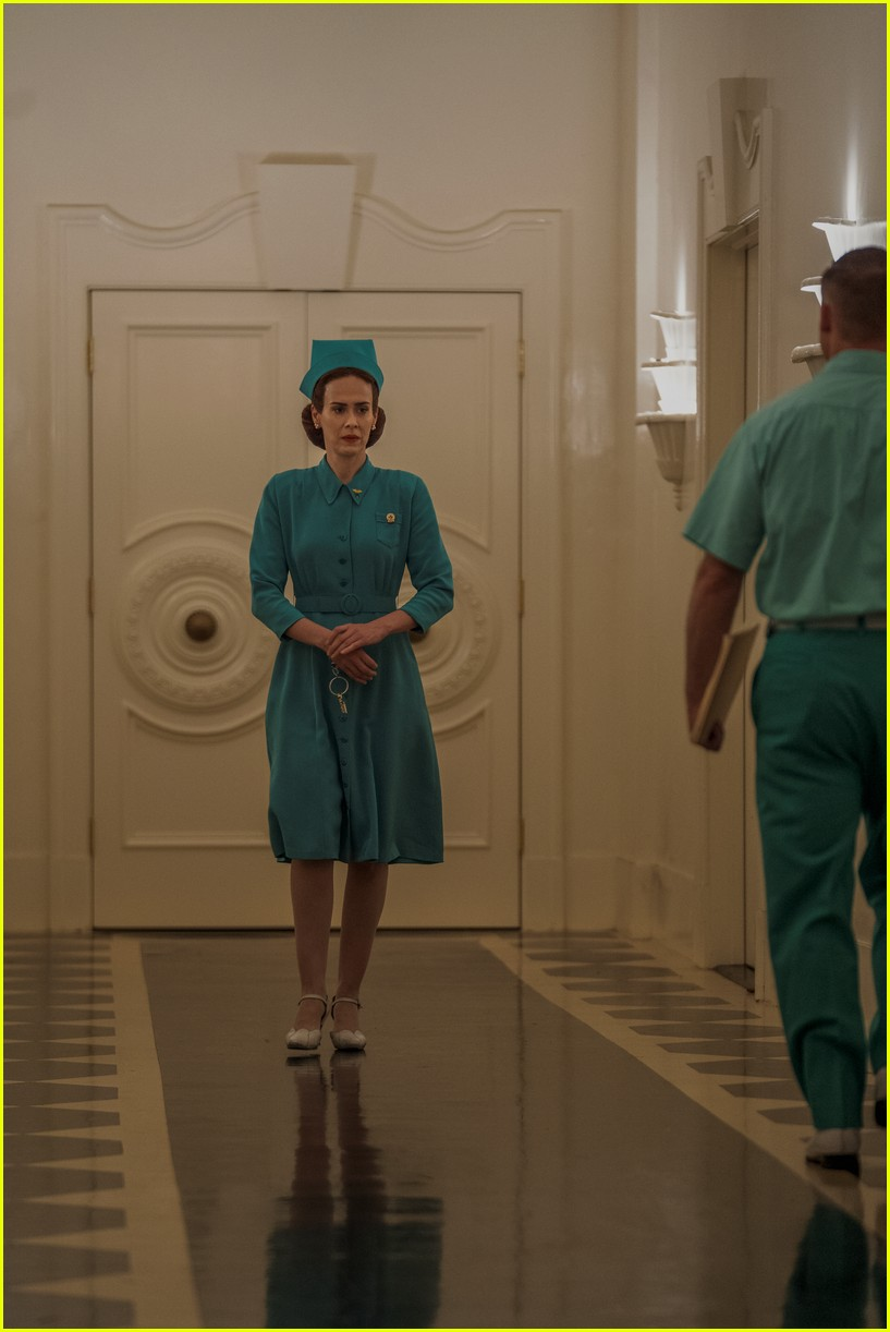 sarah paulson in ratched stills 034484553