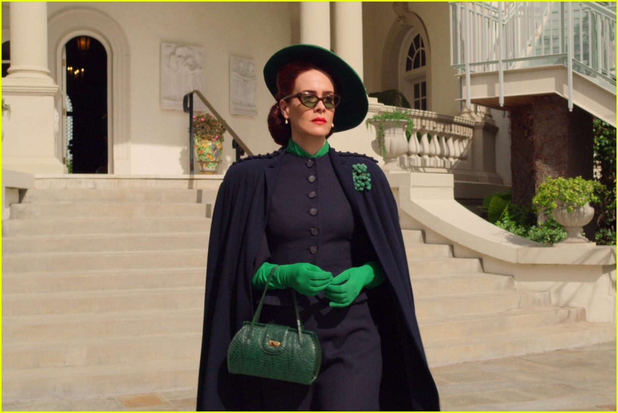sarah paulson in ratched stills 044484554