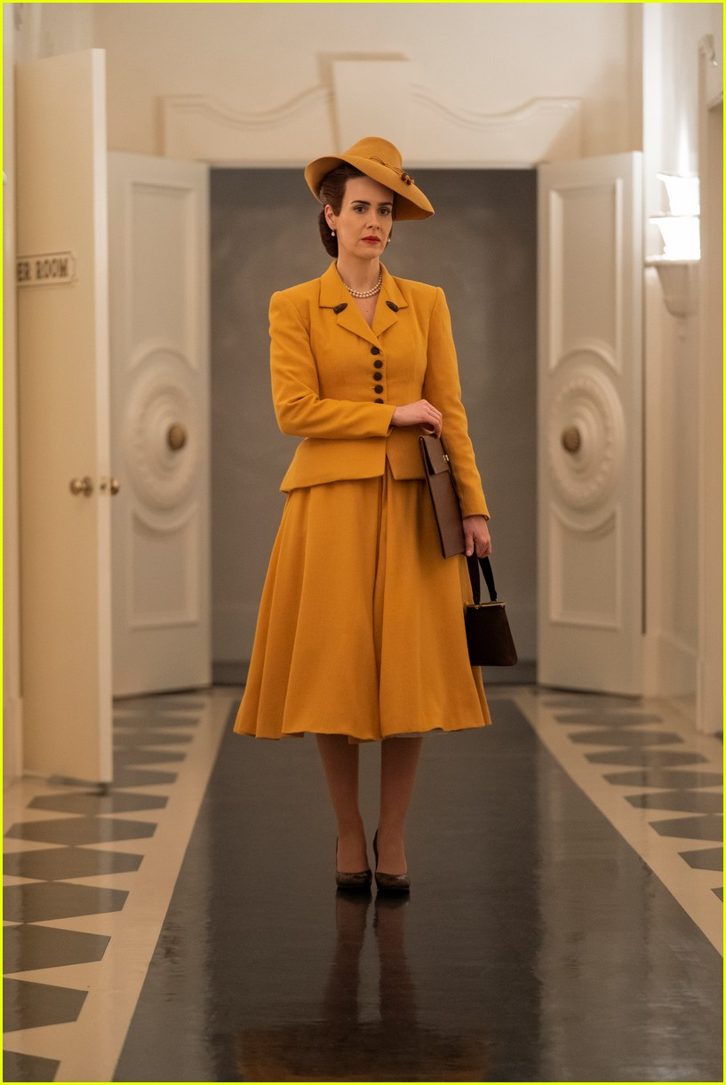 sarah paulson in ratched stills 054484555