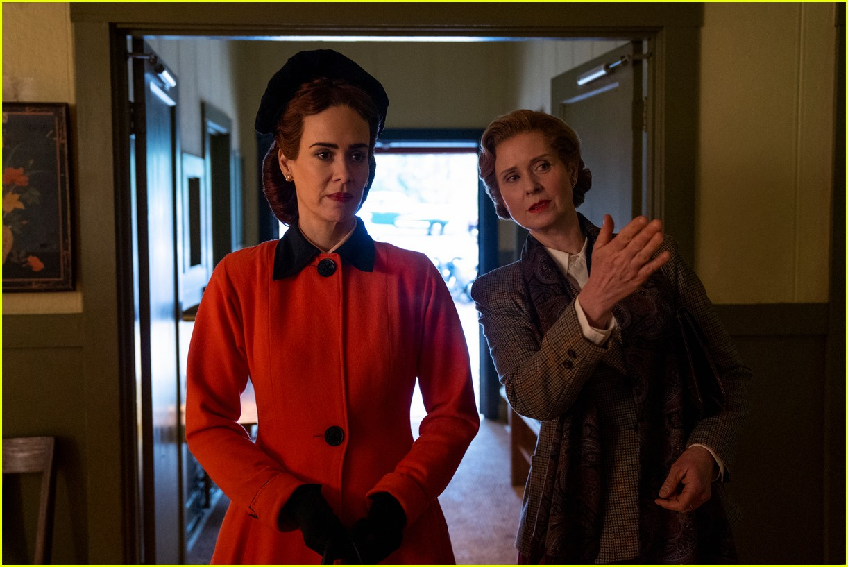 sarah paulson in ratched stills 074484557