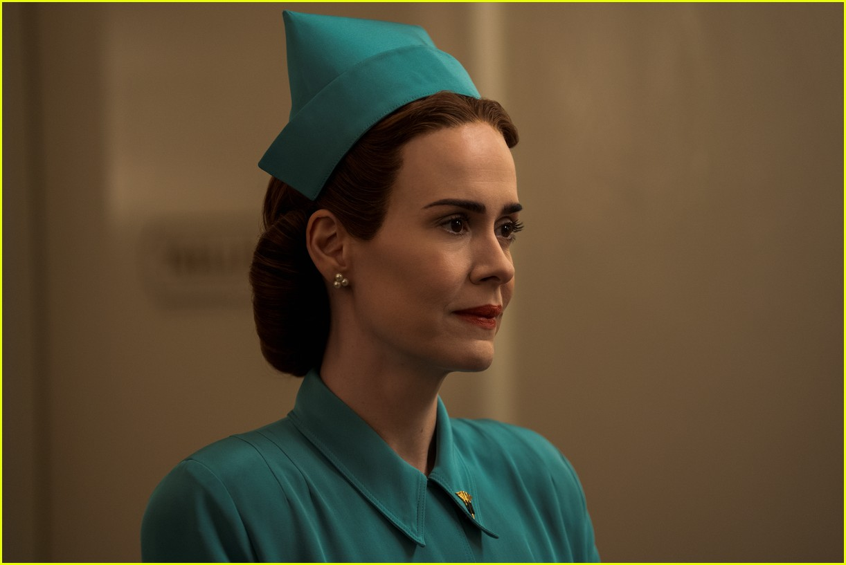 sarah paulson in ratched stills 114484561