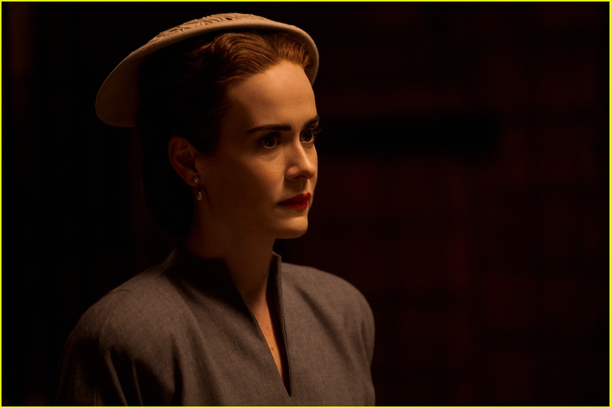 sarah paulson in ratched stills 124484562