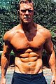 alan ritchson hottest selfies 03