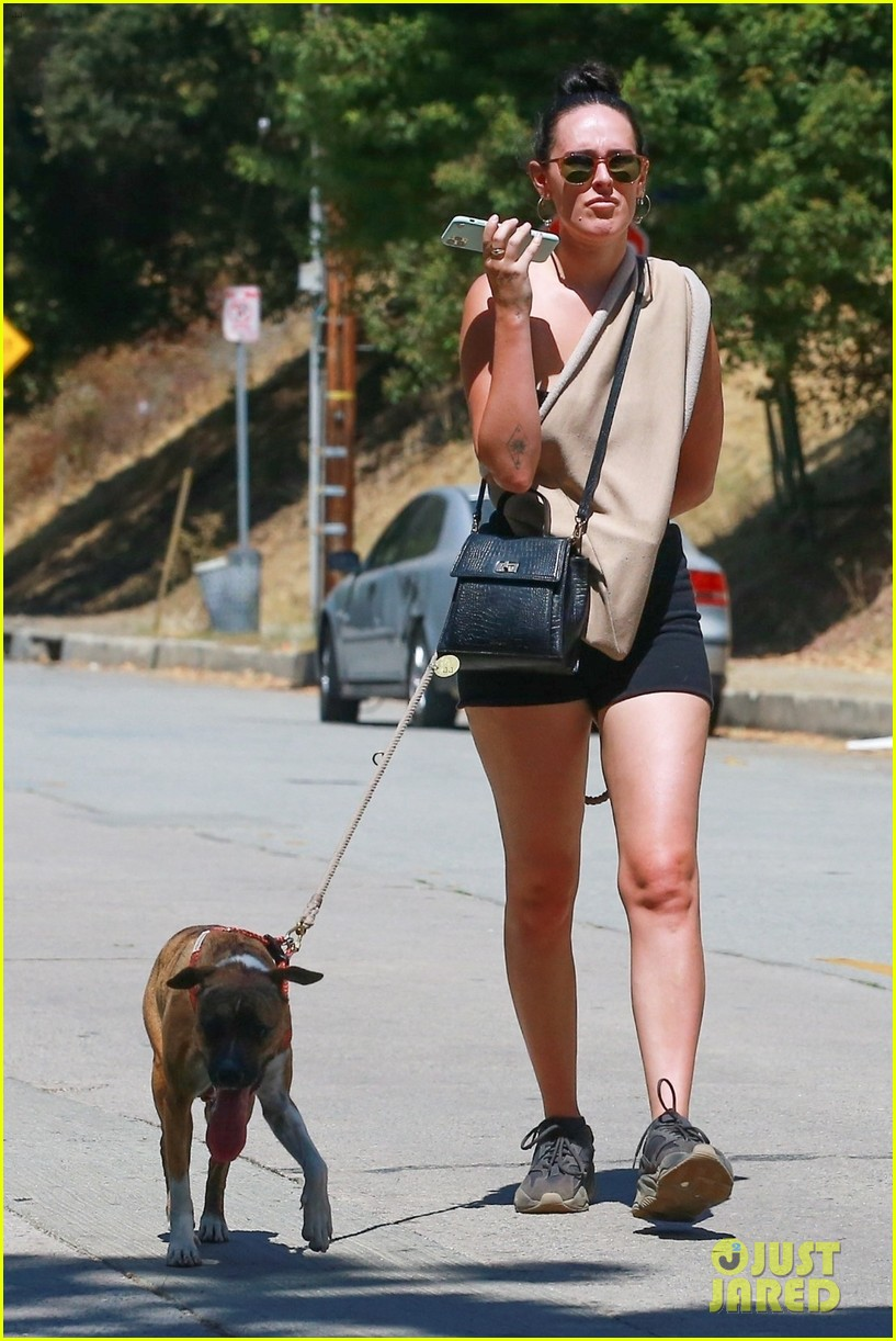 rumer willis goes for hike armie hammer hang out 034480972