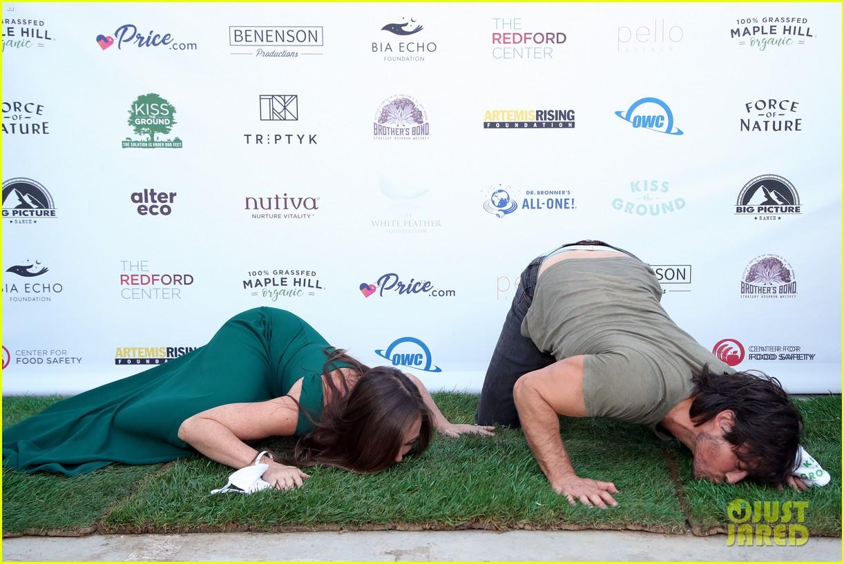 ian somerhalder kiss the ground premiere 014484592