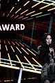 cher presents icon award bbmas 2020 03