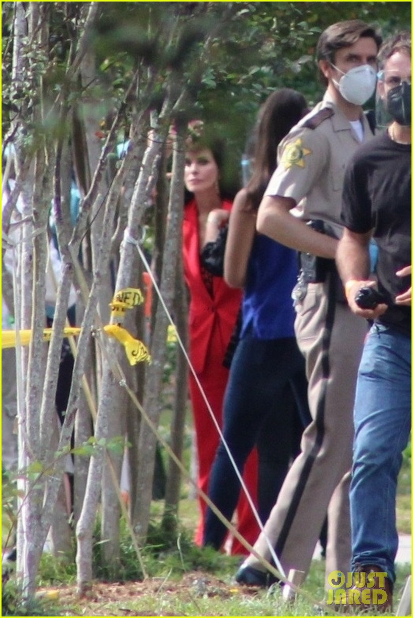 courteney cox scream 5 set october 2020  114495023