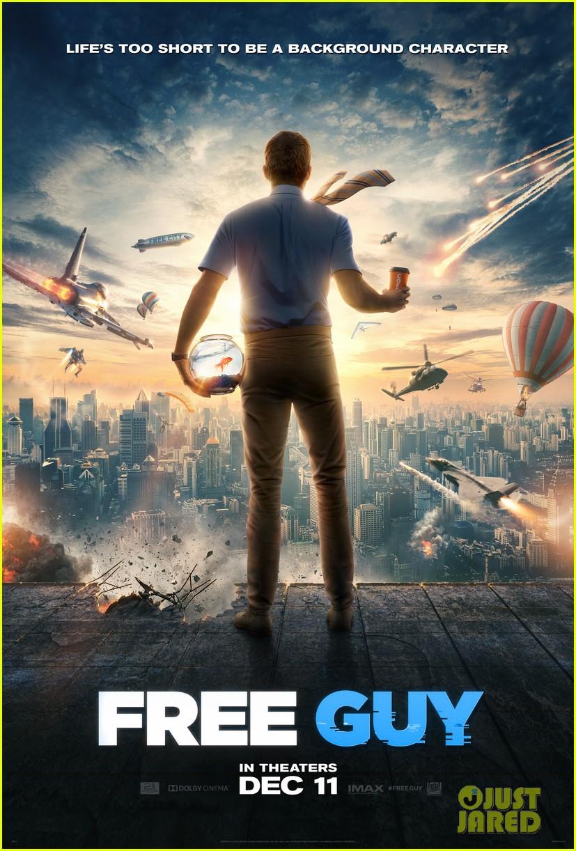 ryan reynolds lives inside video game free guy trailer 004490374