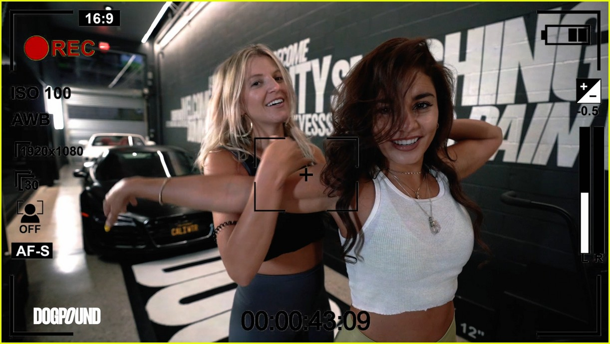 vanessa hudgens gg magree take fans into the dogpound 084493705