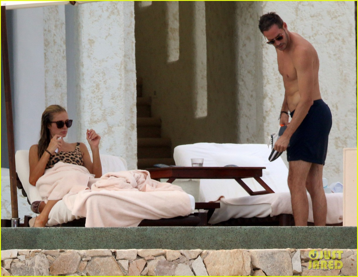 paris hilton with boyfriend carter reum 044493691