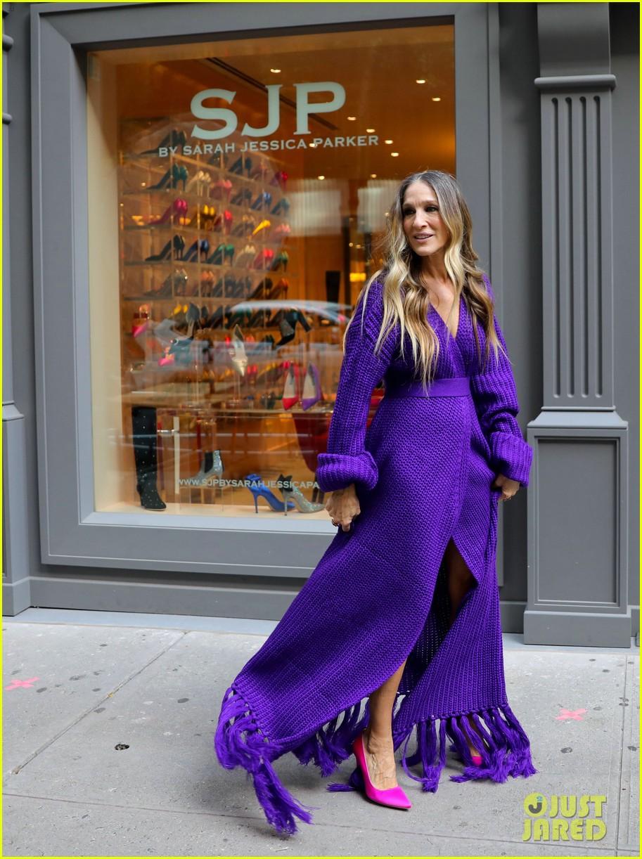 sarah jessica parker nyc sidewalks for photo shoot 014493439