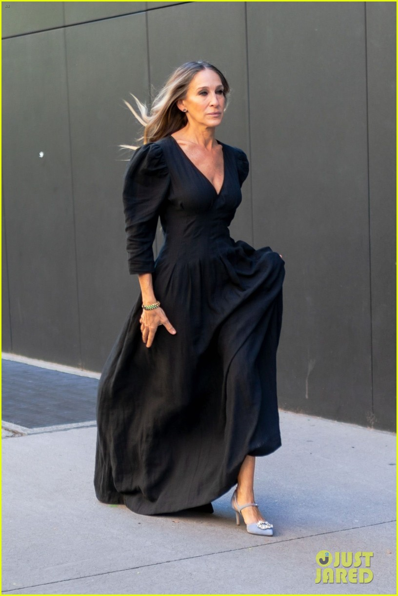 sarah jessica parker nyc sidewalks for photo shoot 024493440