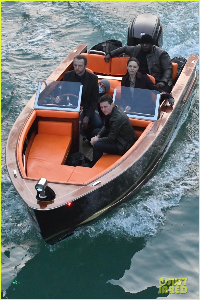 tom cruise mission impossible final scenes boat 024500348