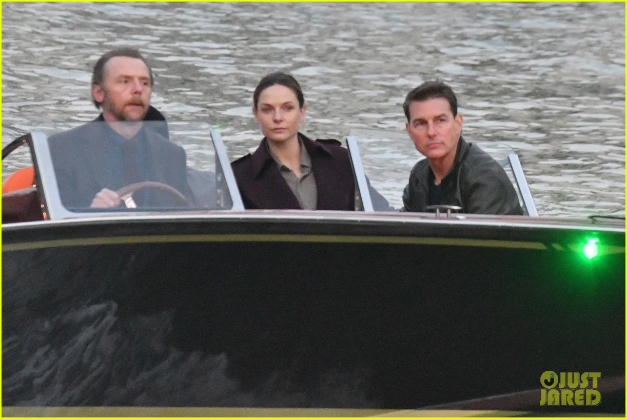 tom cruise mission impossible final scenes boat 044500350