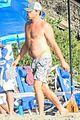 leonardo dicaprio at beach with emile hirsch 52