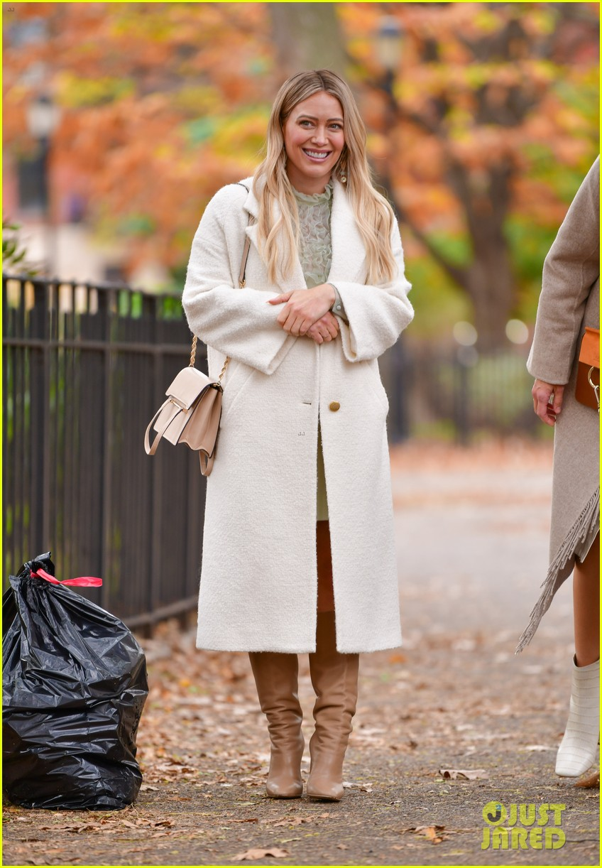hilary duff quarantining after covid exposure 044502239