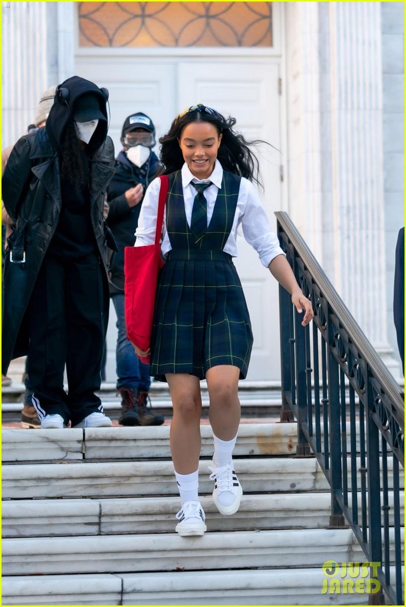 gossip girl in school uniforms 014503167