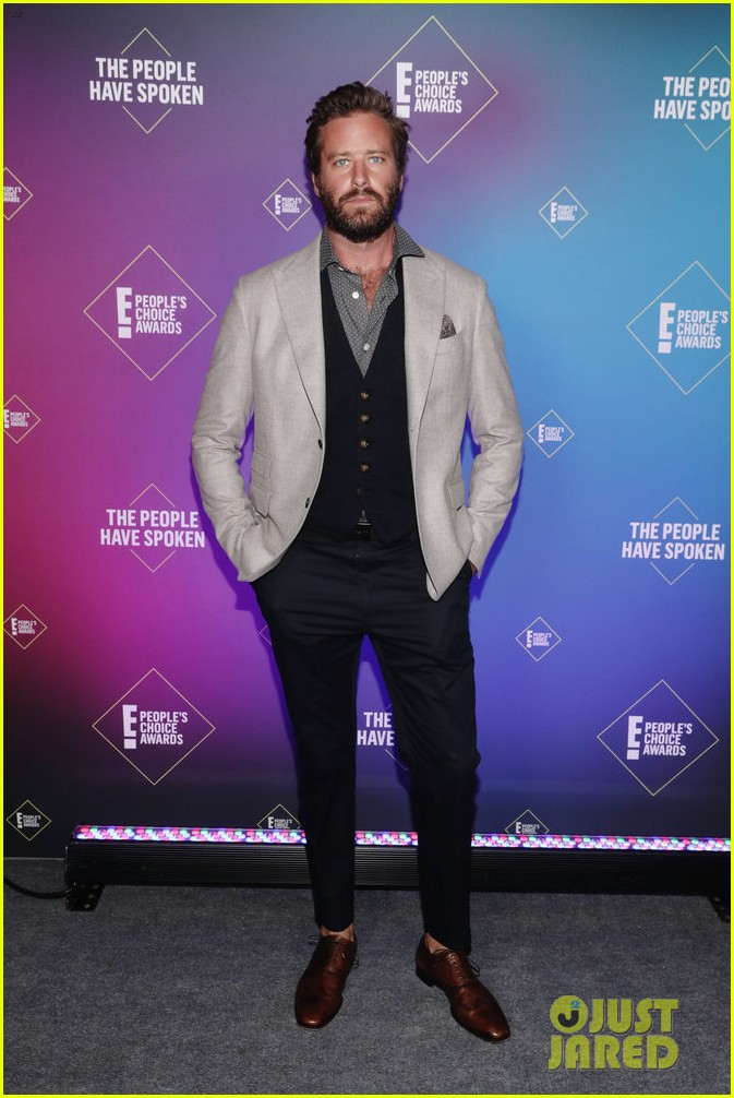 armie hammer alison brie peoples choice awards 2020 224501103
