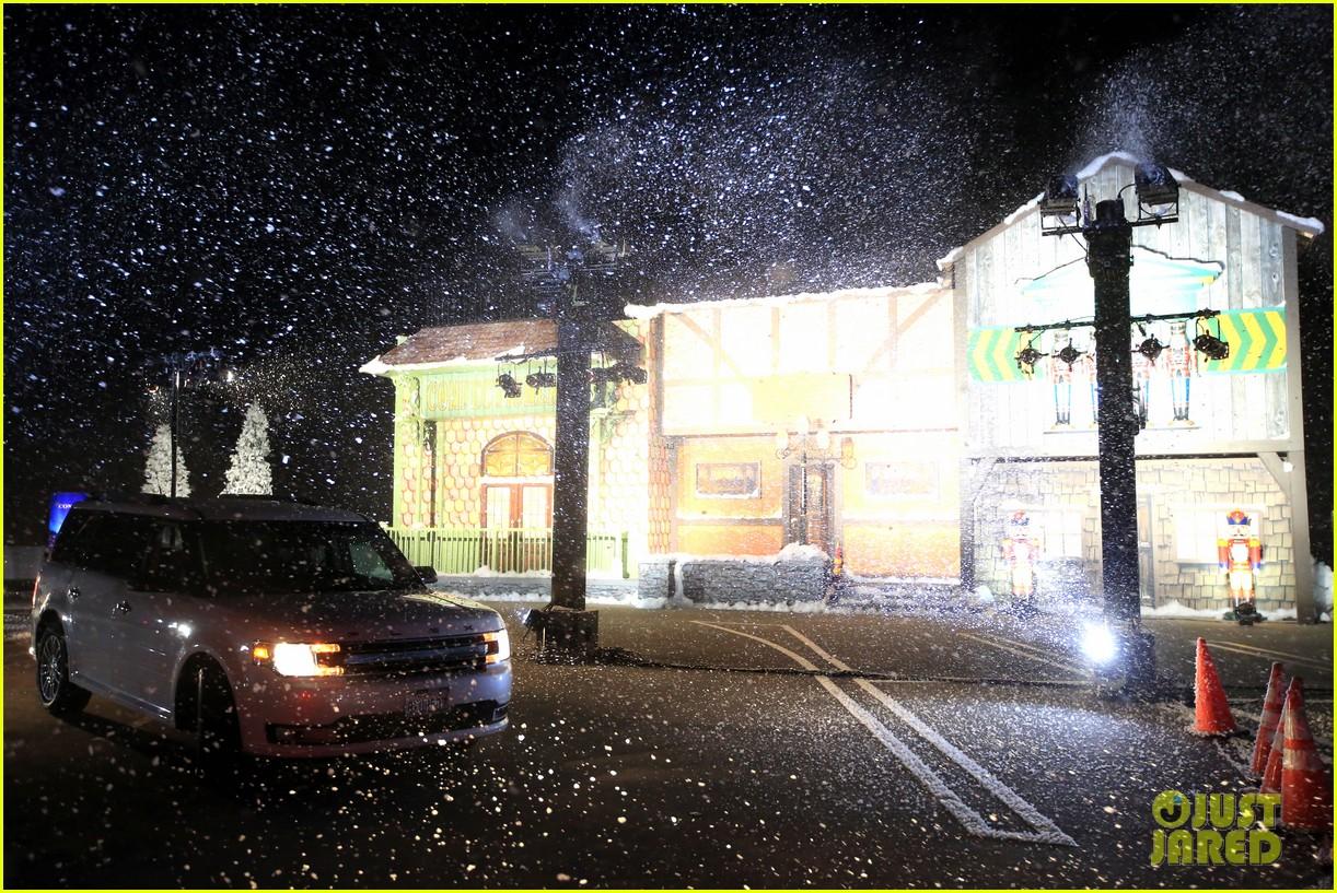 goldie hawn birthday kurt russell christmas chronicles 2 screening 144501989