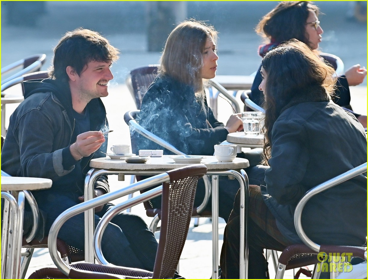 Josh Hutcherson Makes Rare Appearance Out With Girlfriend Claudia Traisac In Italy Photo 4504272 Claudia Traisac Josh Hutcherson Pictures Just Jared She was bold, beautiful and quite tough. just jared