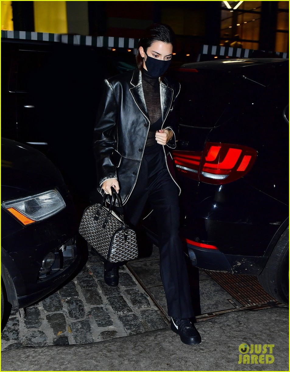 kendall jenner night out again with bella hadid 024502465