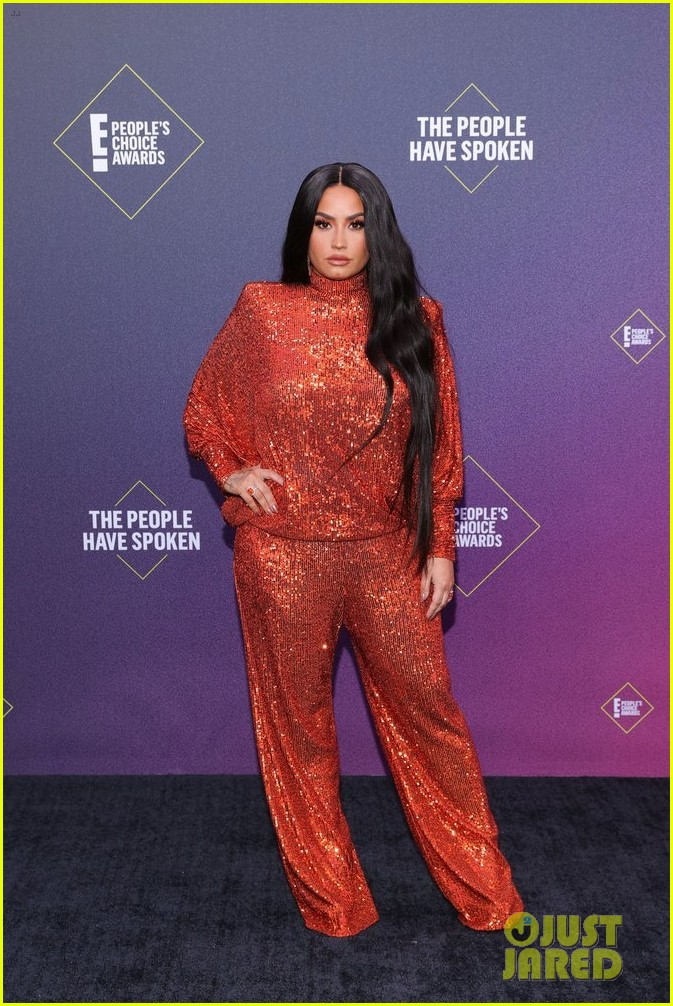 demi lovato every look peoples choice awards 2020 014501117