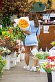 emily ratajkowski cradles her growing baby bump shopping for flowers 25
