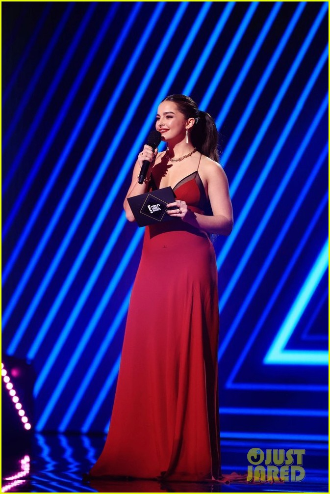 red at peoples choice awards 014501134