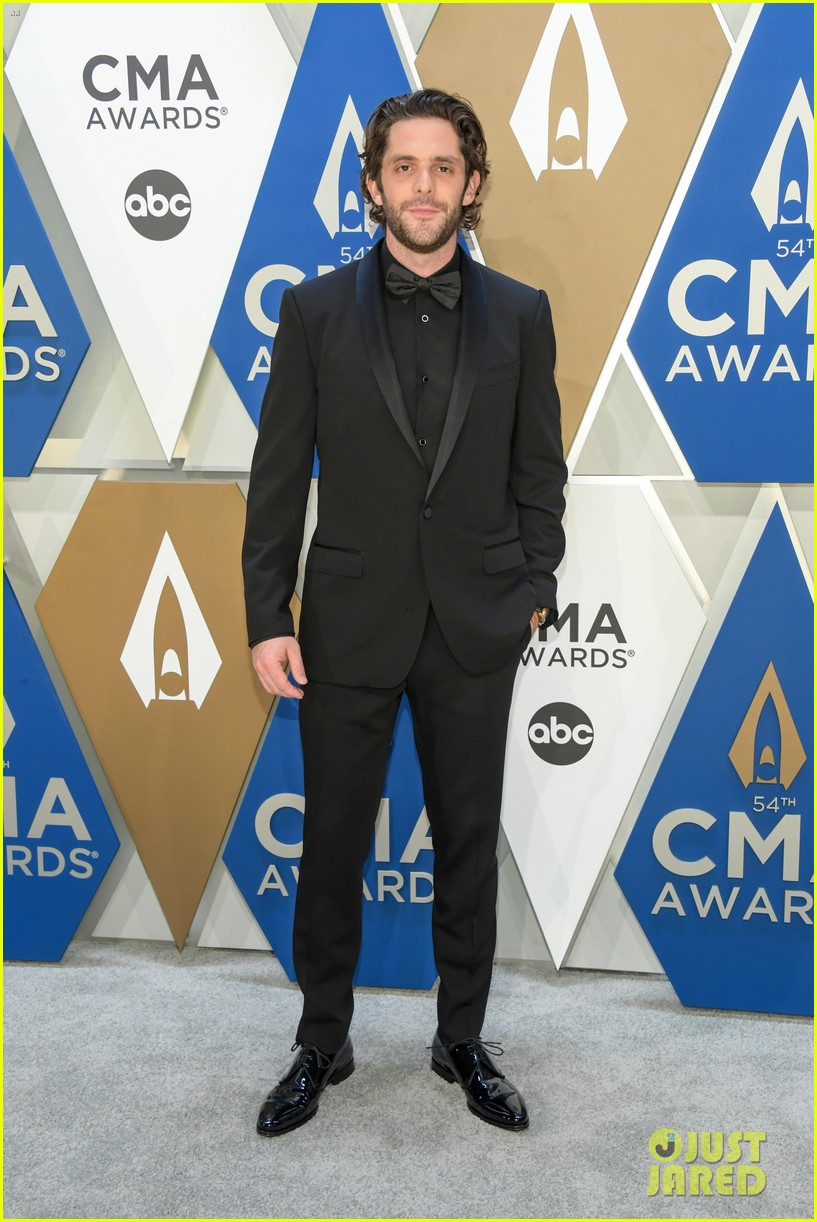 thomas rhett lauren akins date night cma awards 074499838