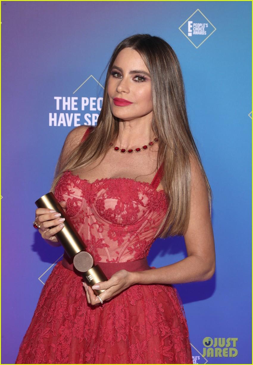 sofia vergara peoples choice awards 2020 024501043