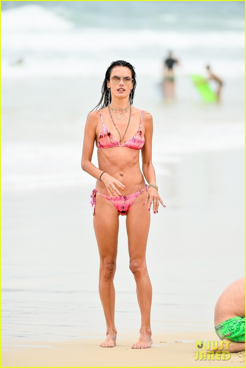 alessandra ambrosio bikini december  2020 744512628