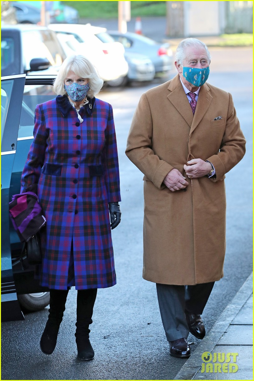 prince charles talks covid vaccine during hospital visit with camilla 234509593