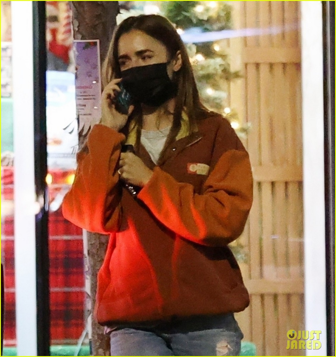 lily collins candid photos 044504986