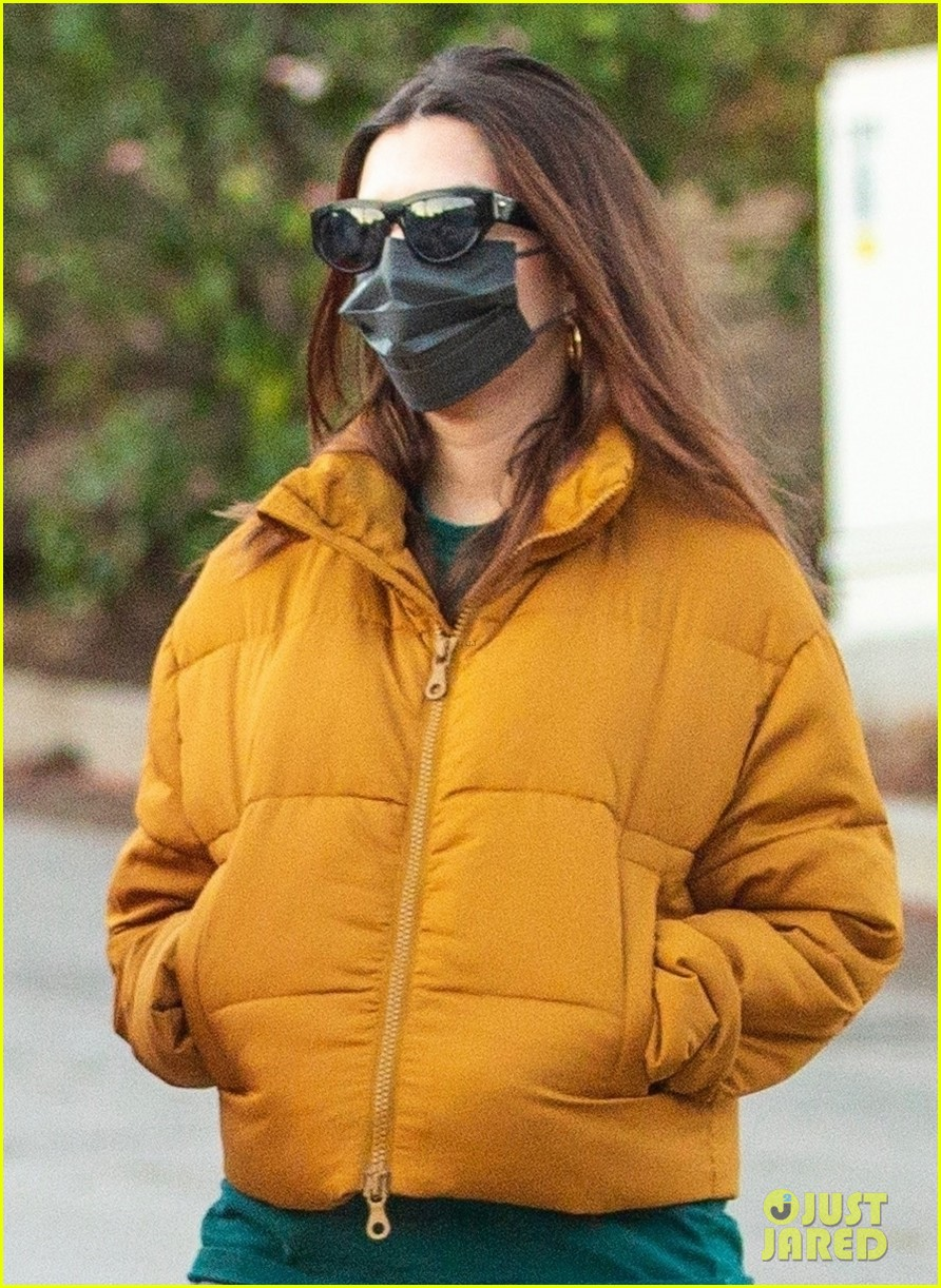 pregnant emily ratajkowski bundles up walk with friend 024512449