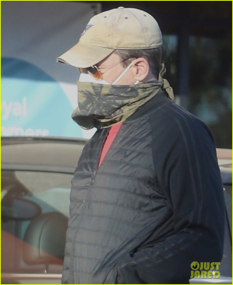 jon hamm face mask bandana grocery shopping 044508284