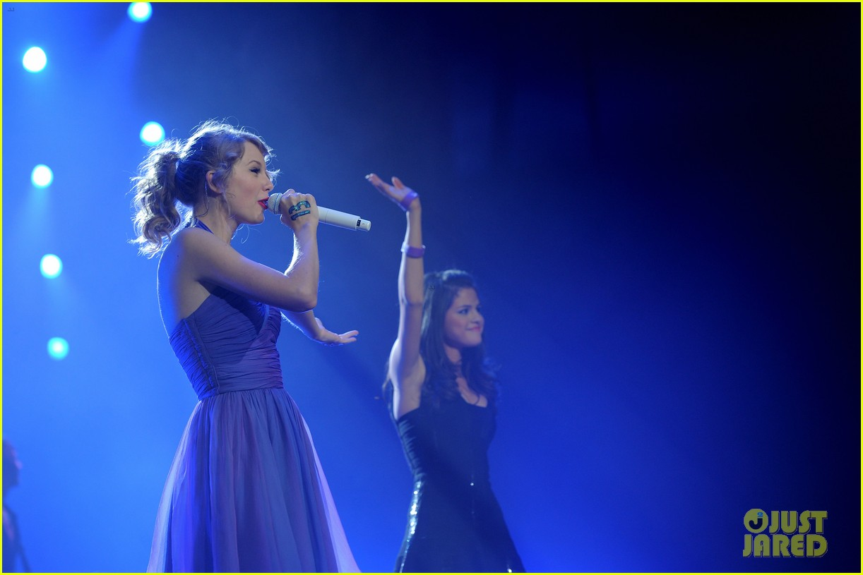 is taylor swift dorothea song about selena gomez 024507927