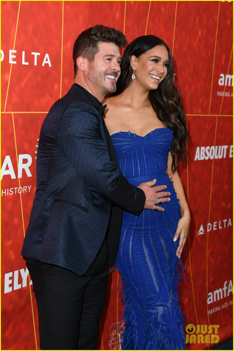 robin thicke april love geary welcome baby 034508008