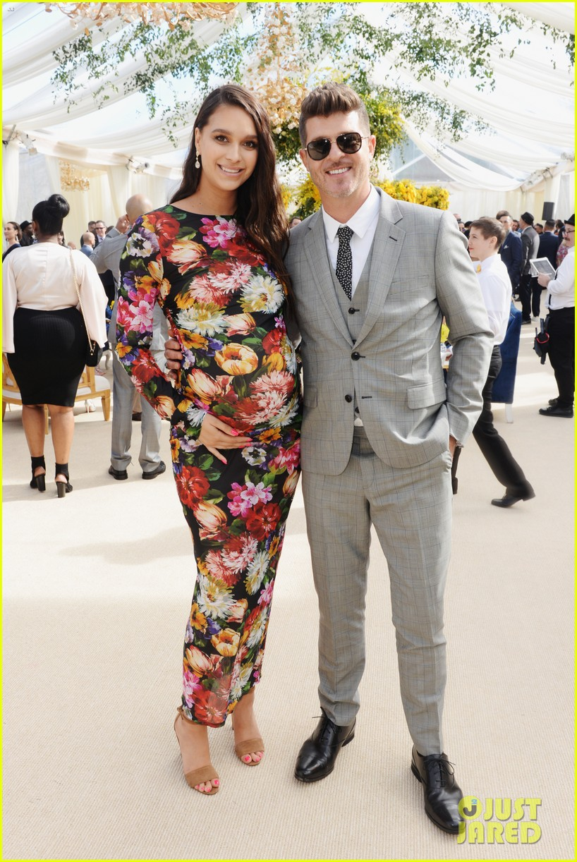 robin thicke april love geary welcome baby 074508012
