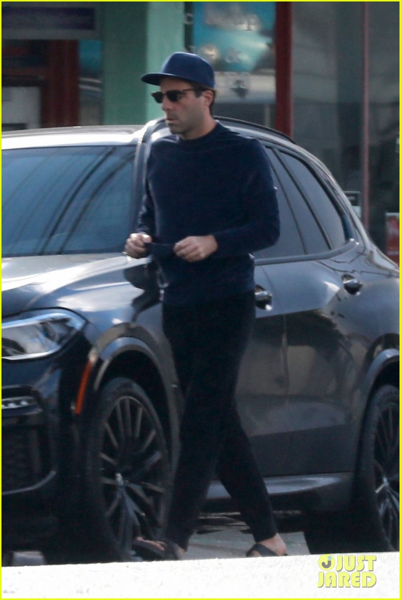 zachary quinto cool in blue picking up breakfast 054512431