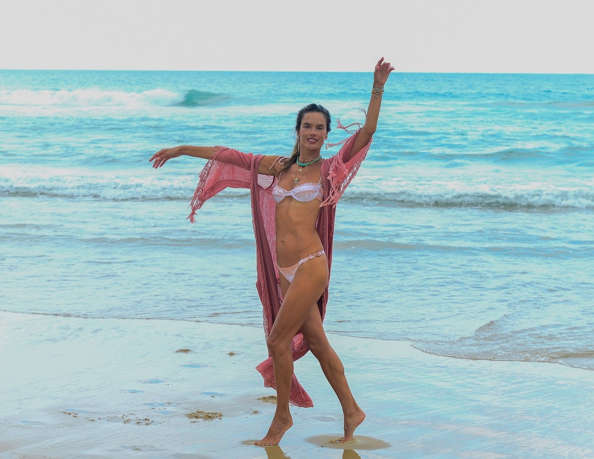 alessandra ambrosio bikini display during bikini shoot fla 104515225