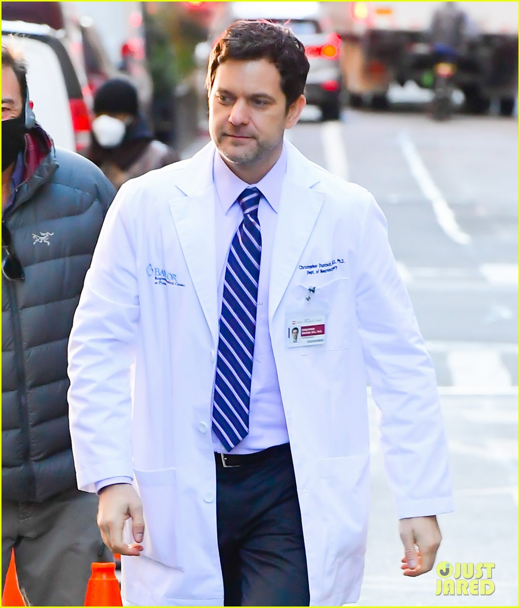 joshua jackson on dr death set 024515061