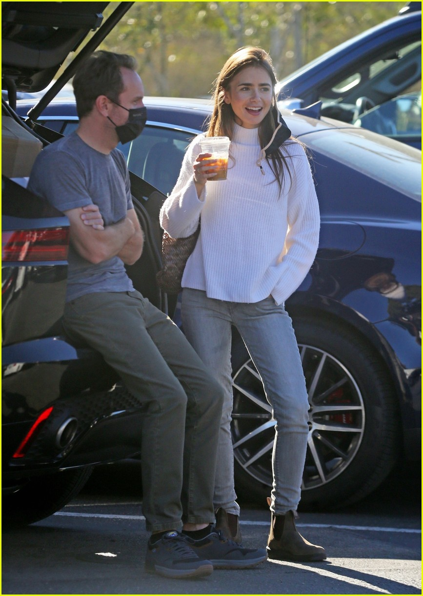 lilly collins recycling 134516551