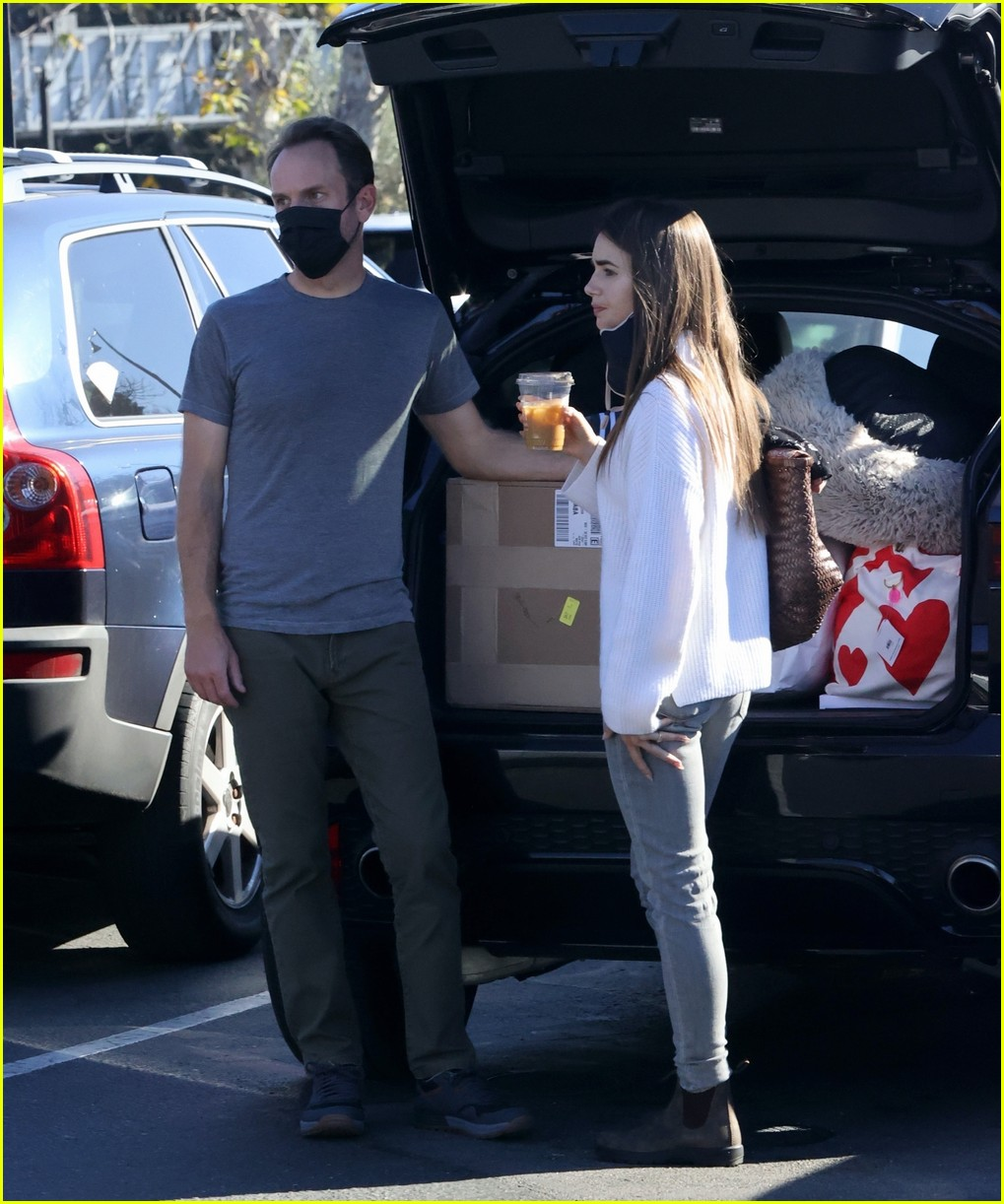 lilly collins recycling 204516618