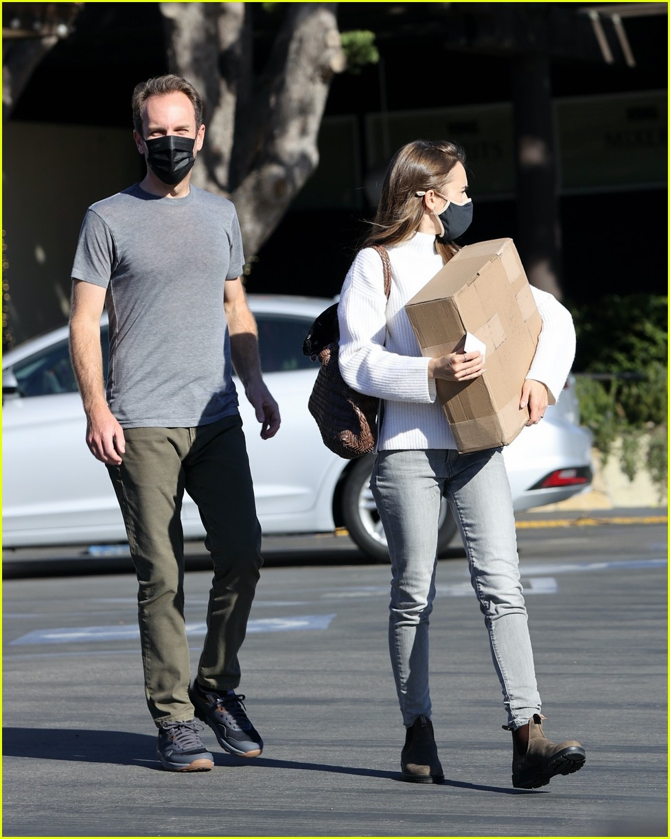 lilly collins recycling 334516571