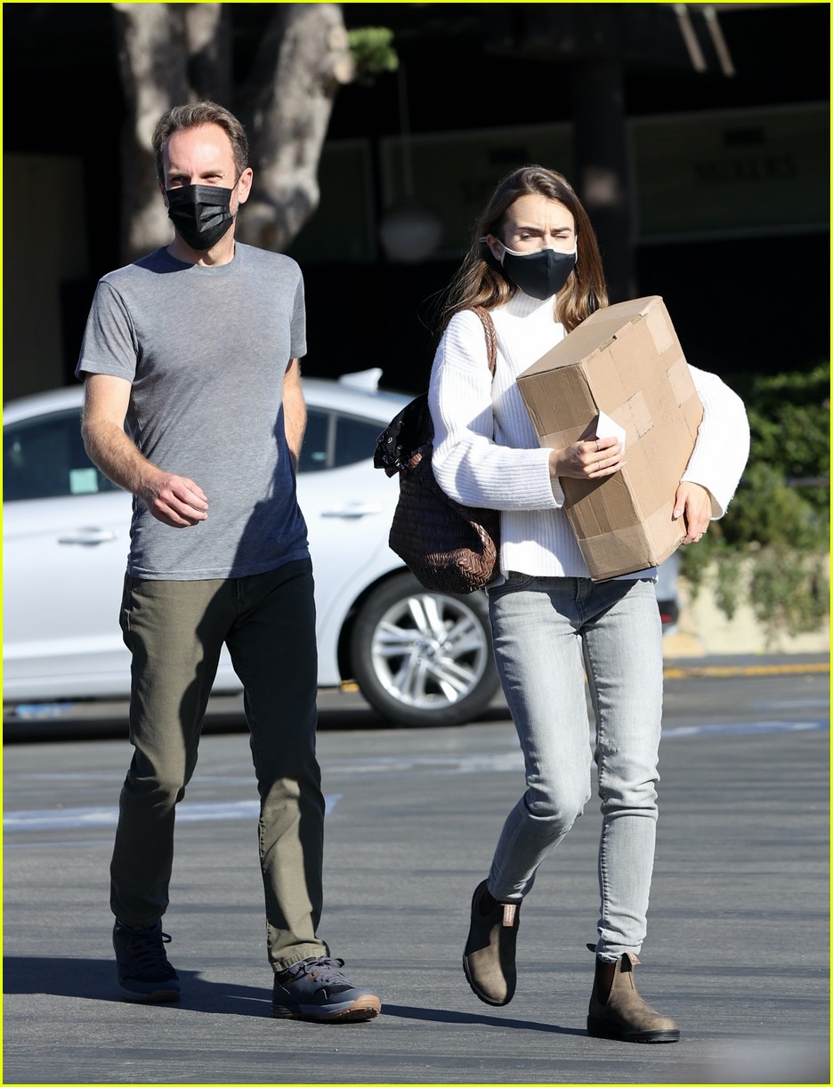 lilly collins recycling 344516632