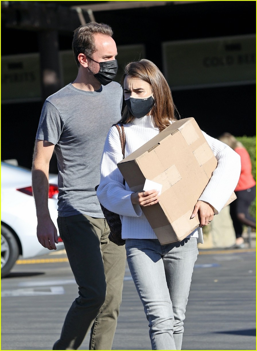 lilly collins recycling 374516635