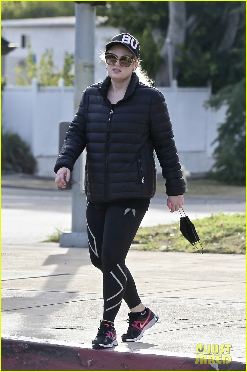 rebel wilson heads to gym workout pooch perfect 014516760