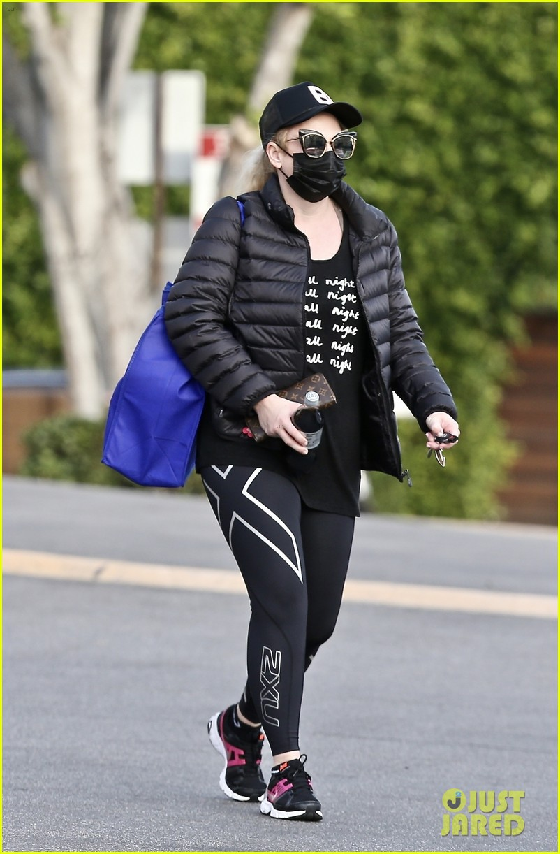 rebel wilson heads to gym workout pooch perfect 024516761