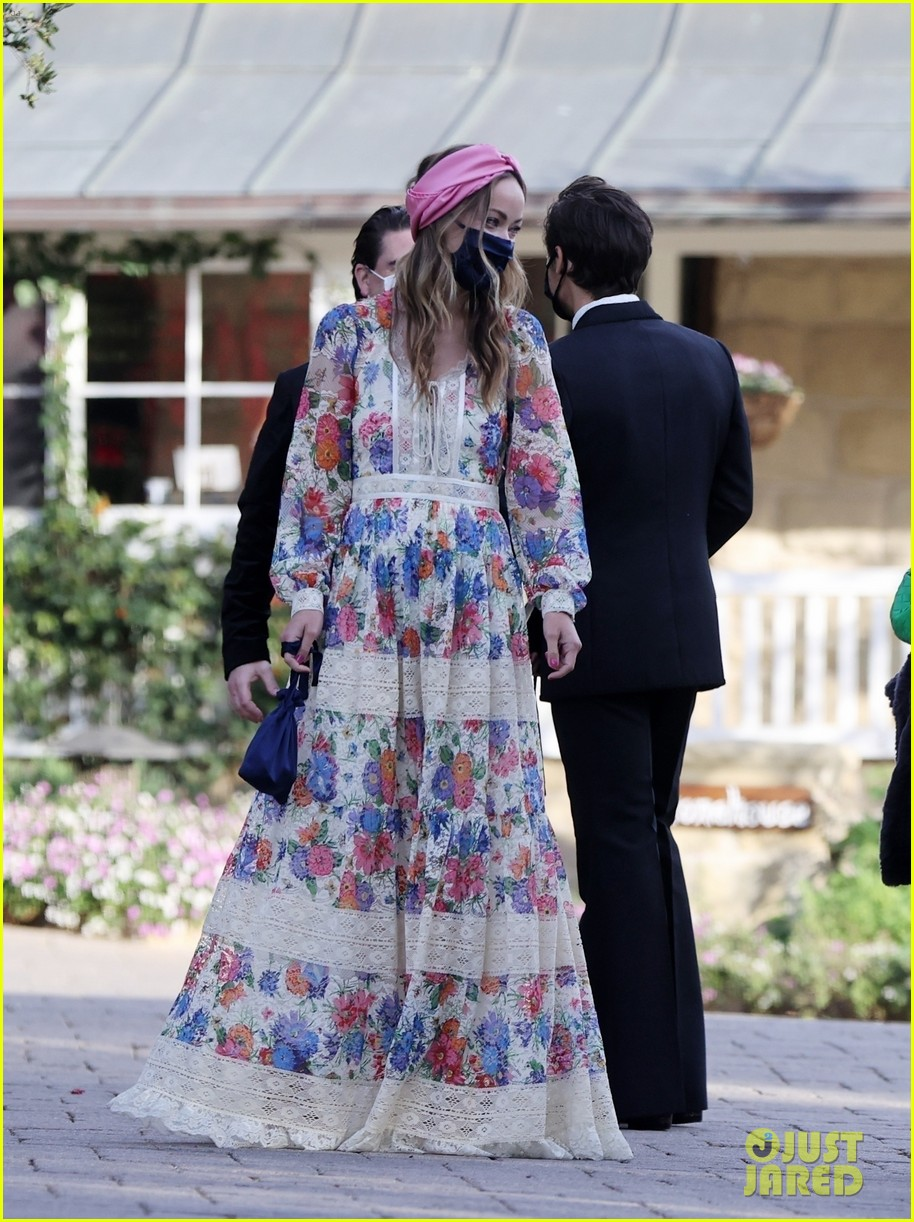 harry styles olivia wilde hold hands managers wedding 034514744