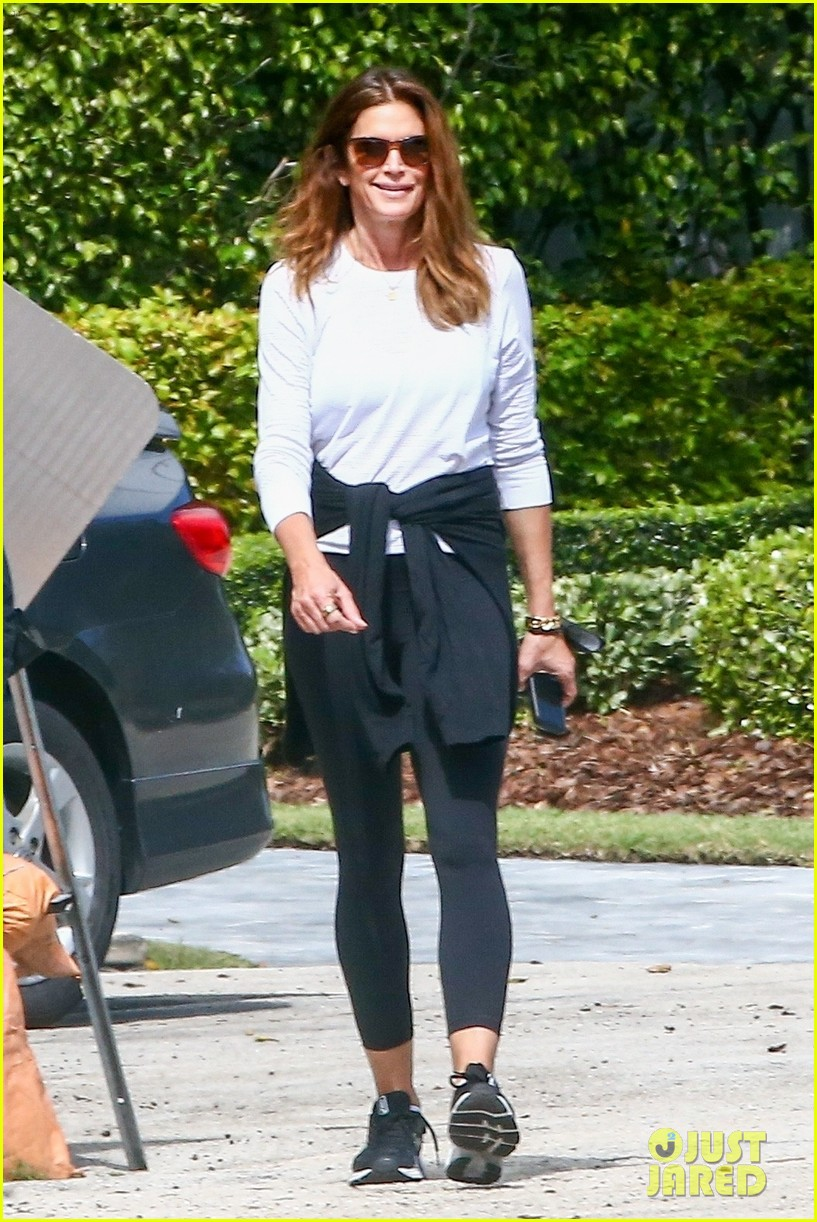 cindy crawford birthday outing with rande kaia gerber 014526368